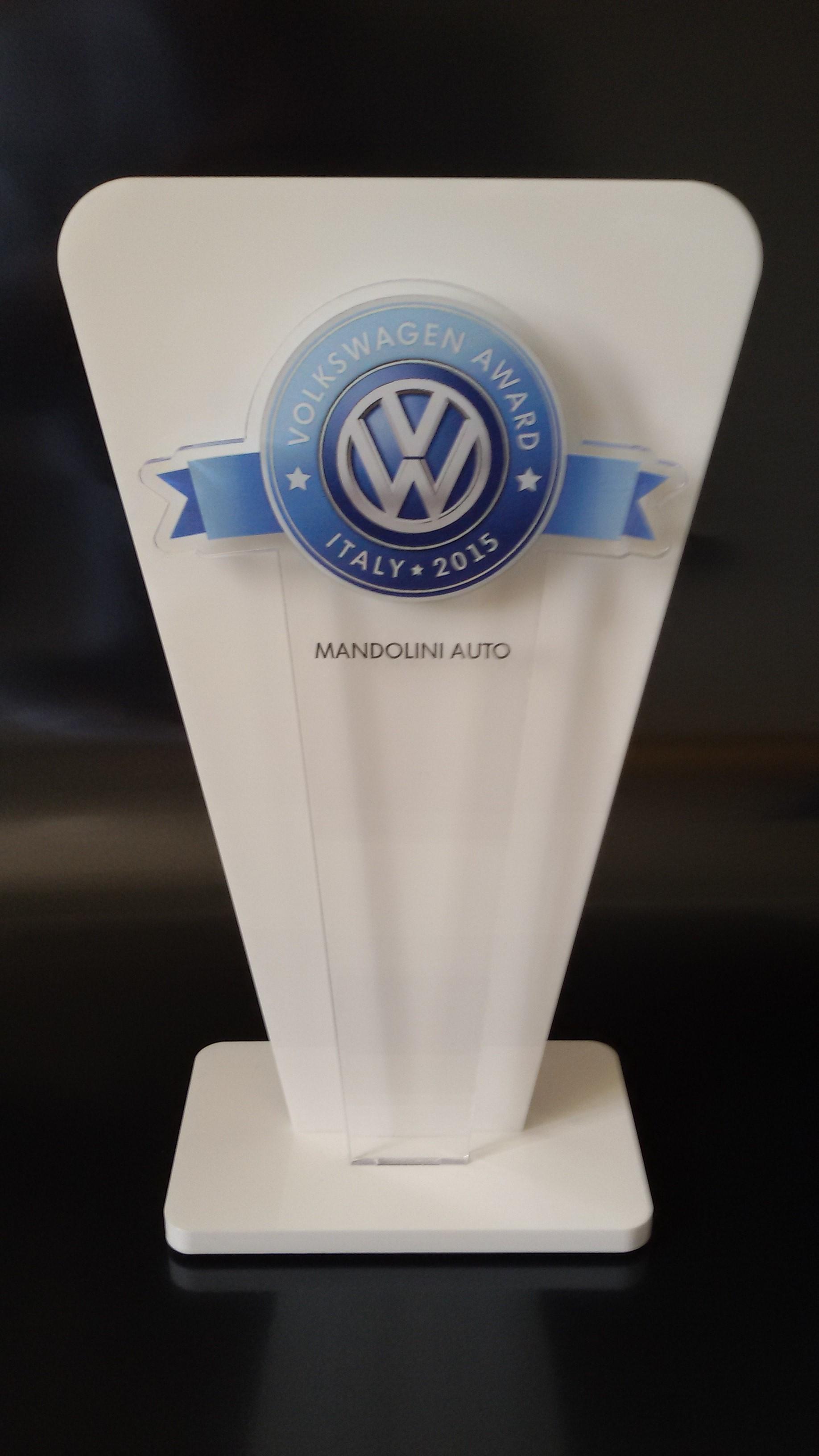 Maggio 2015 - A Mandolini Auto il premio Volkswagen Award Italy 2015