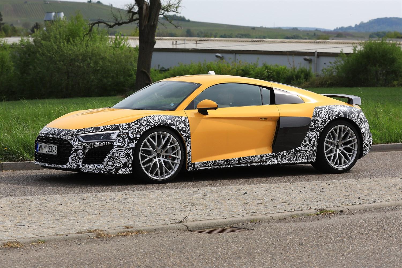 Audi R8 restyling, le foto spia