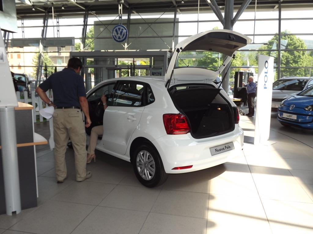 """17-18 maggio 2014 –  Mini-corsi di """"guida sicura"""" … con la nuova Polo VW"""