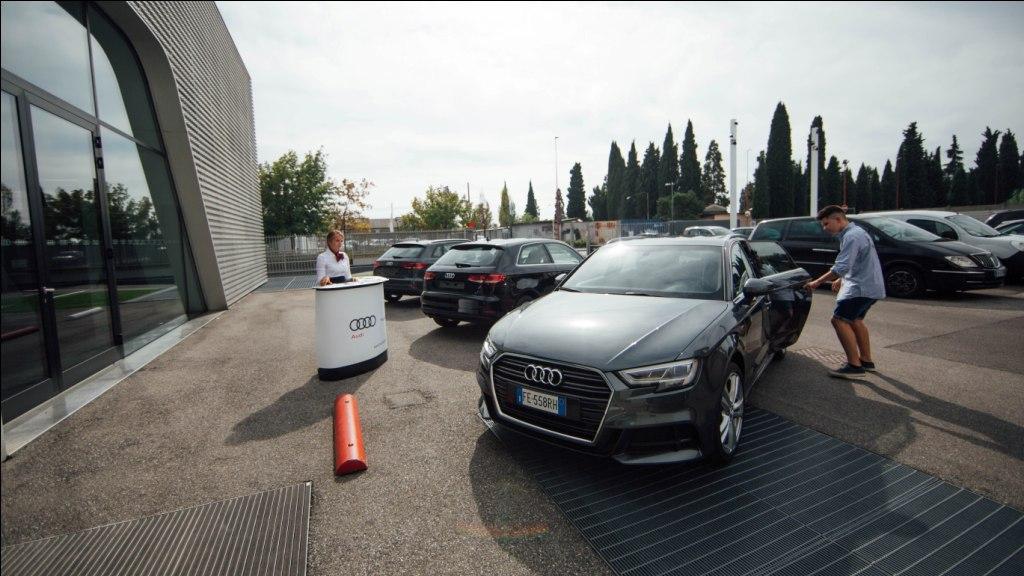 17 settembre 2016 –  Da Mandolini prove della Nuova Audi A3…da brividi!