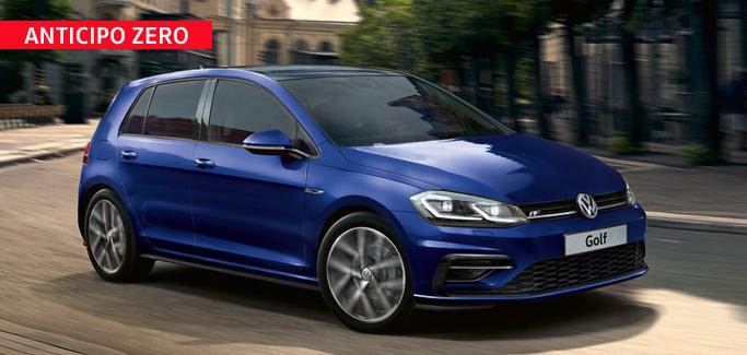 Volkswagen Golf 1.0 TSI Business tua da €230 al mese