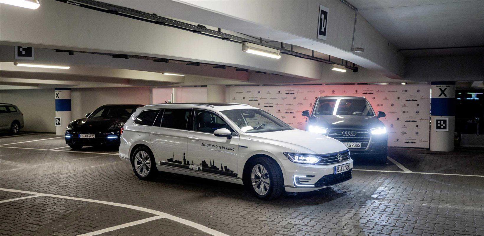 Volkswagen testa il parcheggio autonomo all'Aeroporto di Amburgo